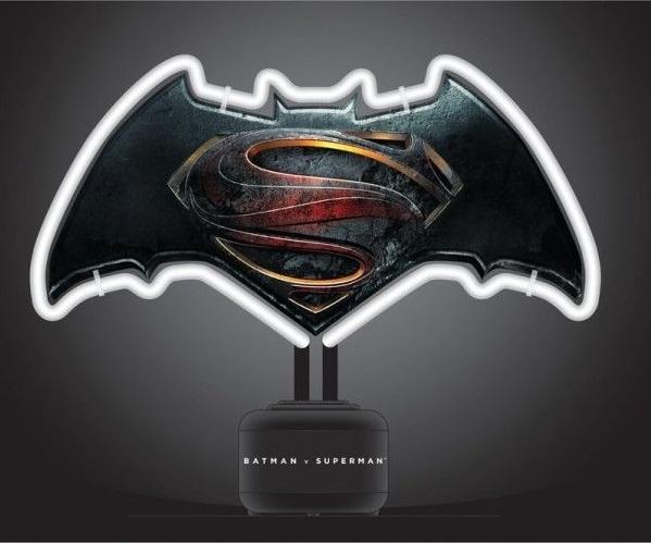 Batman v Superman Neon Light Logo 24 x 30 cm