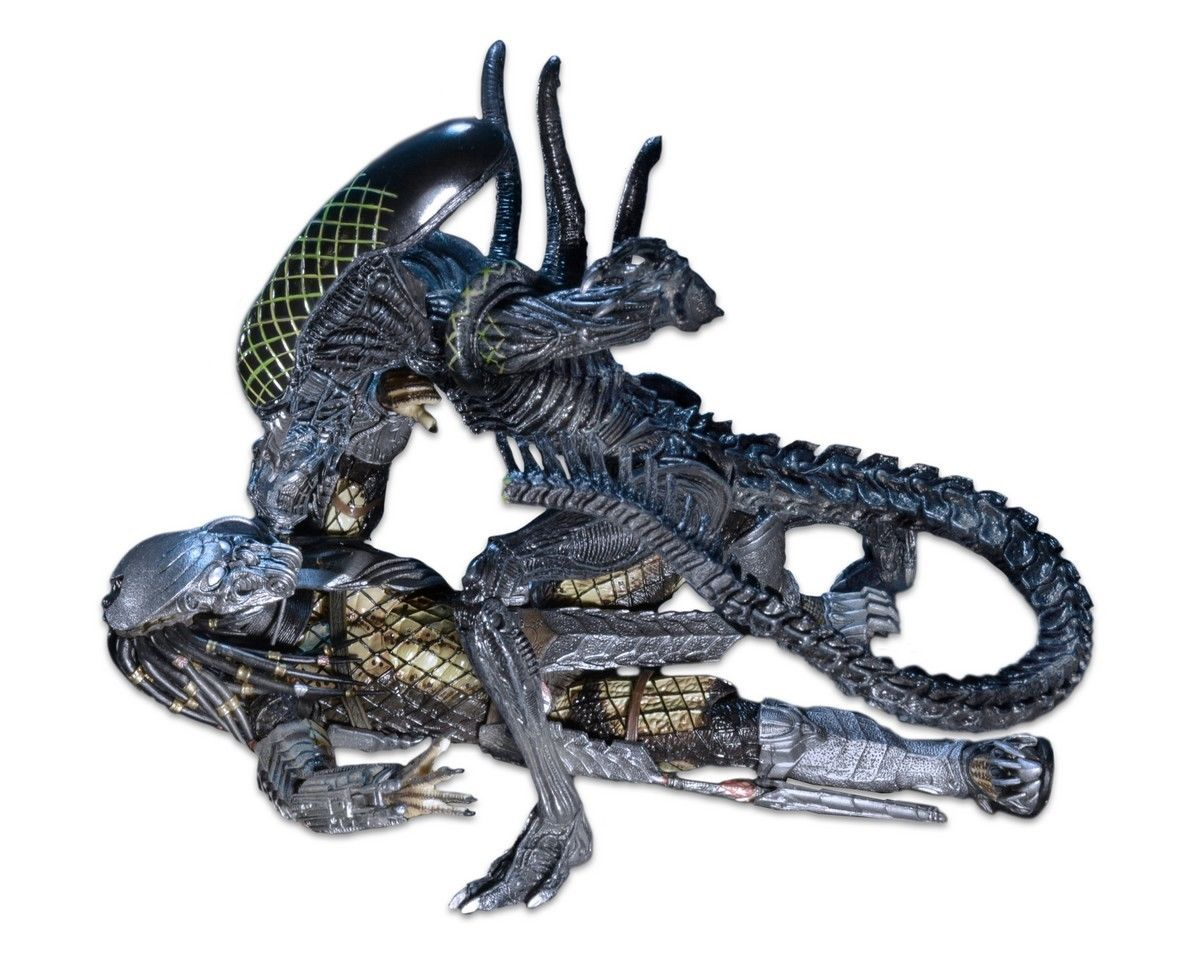 Action Figures Battle Damaged Celtic vs. Battle Damaged Grid Alien 23 cm