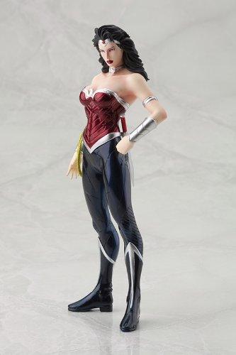 Estátua DC COMICS - Wonder Woman (New 52) ARTFX+ Series 1/10 Scale 20 cm