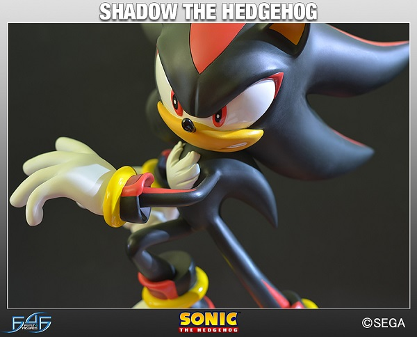 Estátua Sonic: Shadow the Hedgehog Standart Edition 39 cm