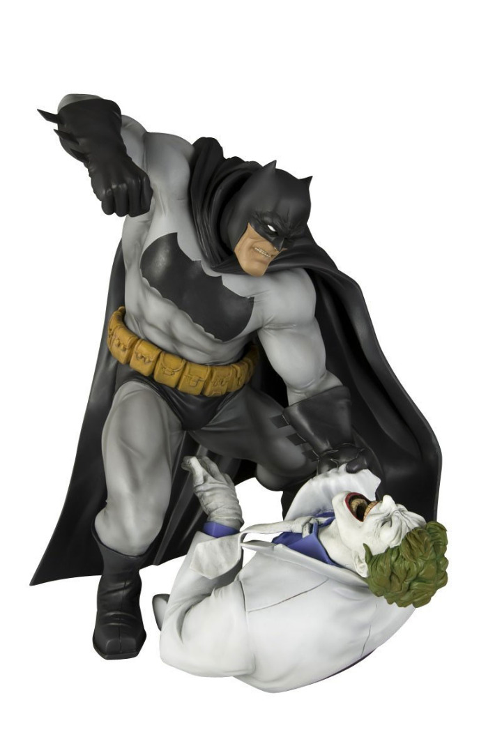 Batman ARTFX Statue 1/6 The Dark Knight Returns 30 cm