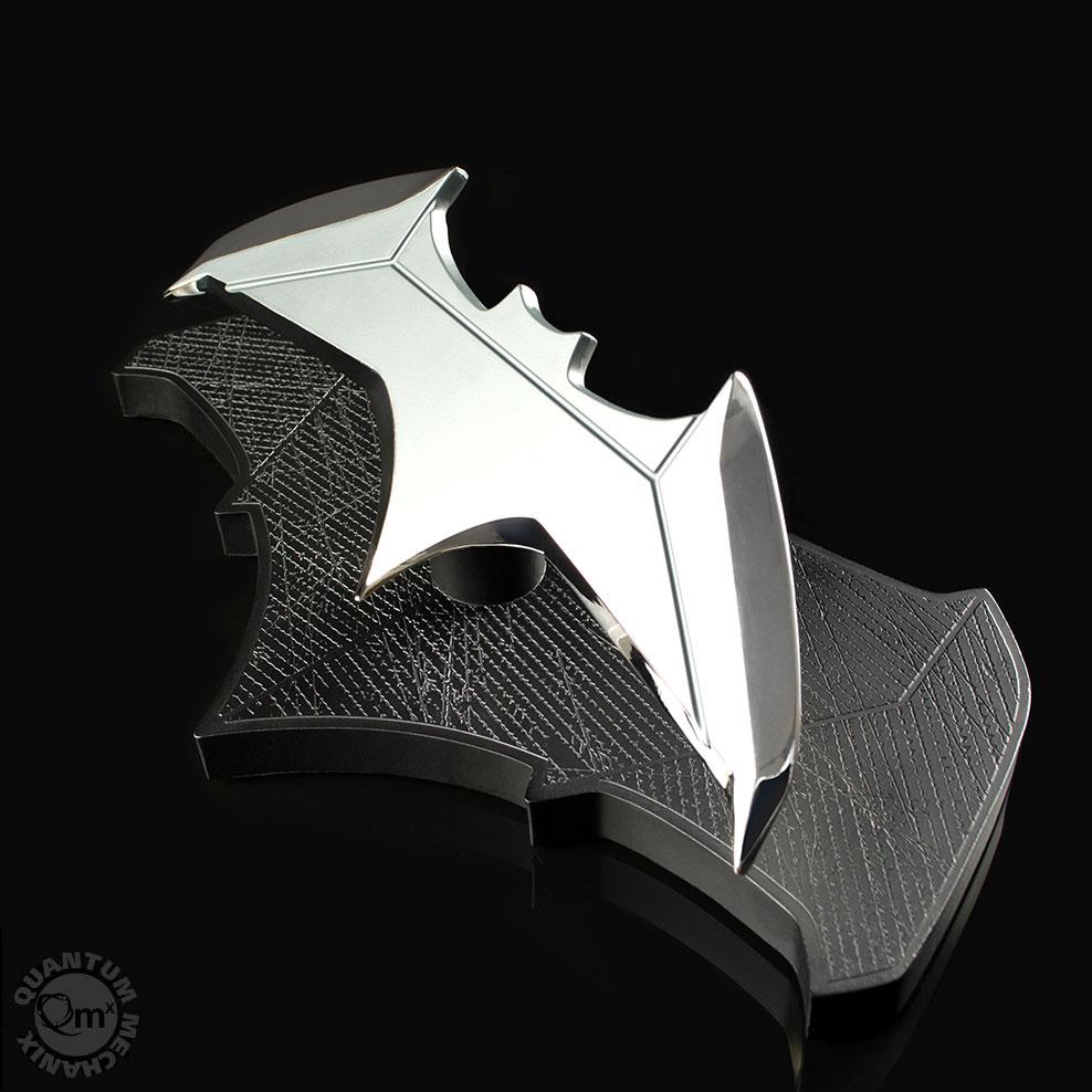 Replica DC Movies 1/1 Batman's Batarang 21 cm