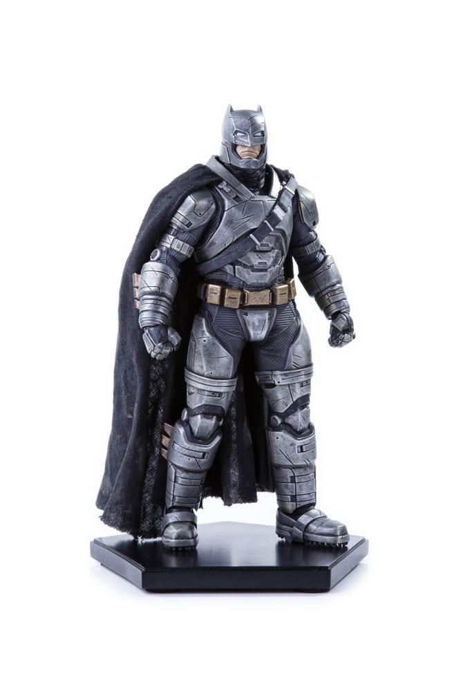 Estátua Batman v Superman Dawn of Justice 1/10 Armored Batman 20 cm