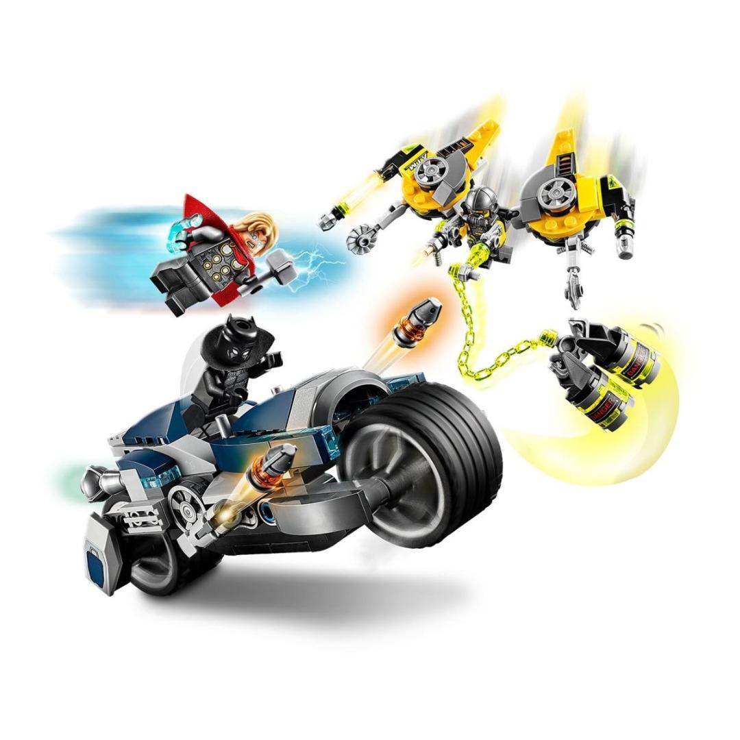 LEGO Super Heroes: Marvel Avengers Ataque dos Vingadores em Mota Speeder