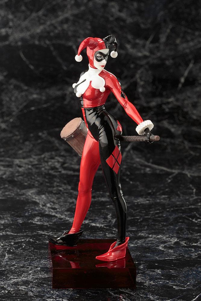 Estátua PVC DC Comics ARTFX+ 1/10 Harley Quinn 20 cm