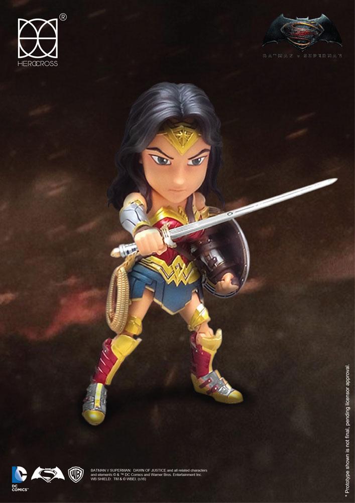 Batman vs Superman Hybrid Metal Action Figure Wonder Woman 14 cm