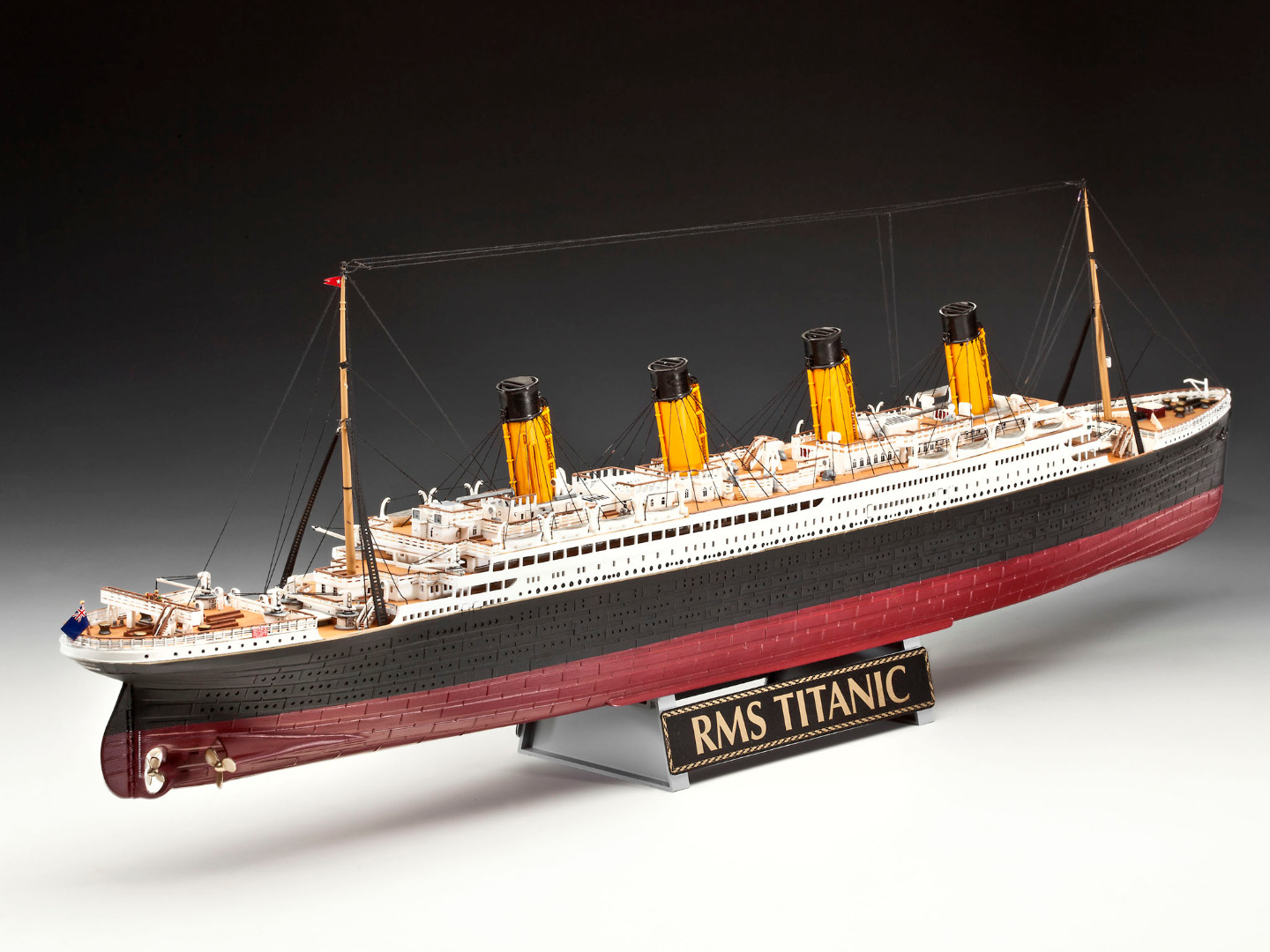 Revell Gift Set R.M.S. Titanic 100th Anniversary Edition Scale 1:400