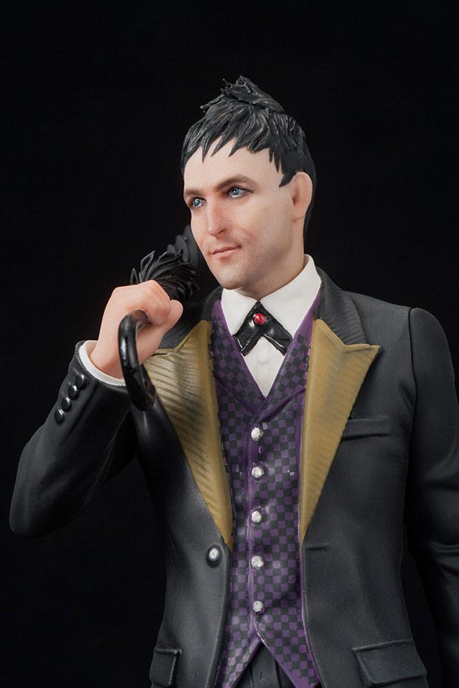 Gotham ARTFX+ PVC Statue 1/10 Oswald Chesterfield Cobblepot 18 cm
