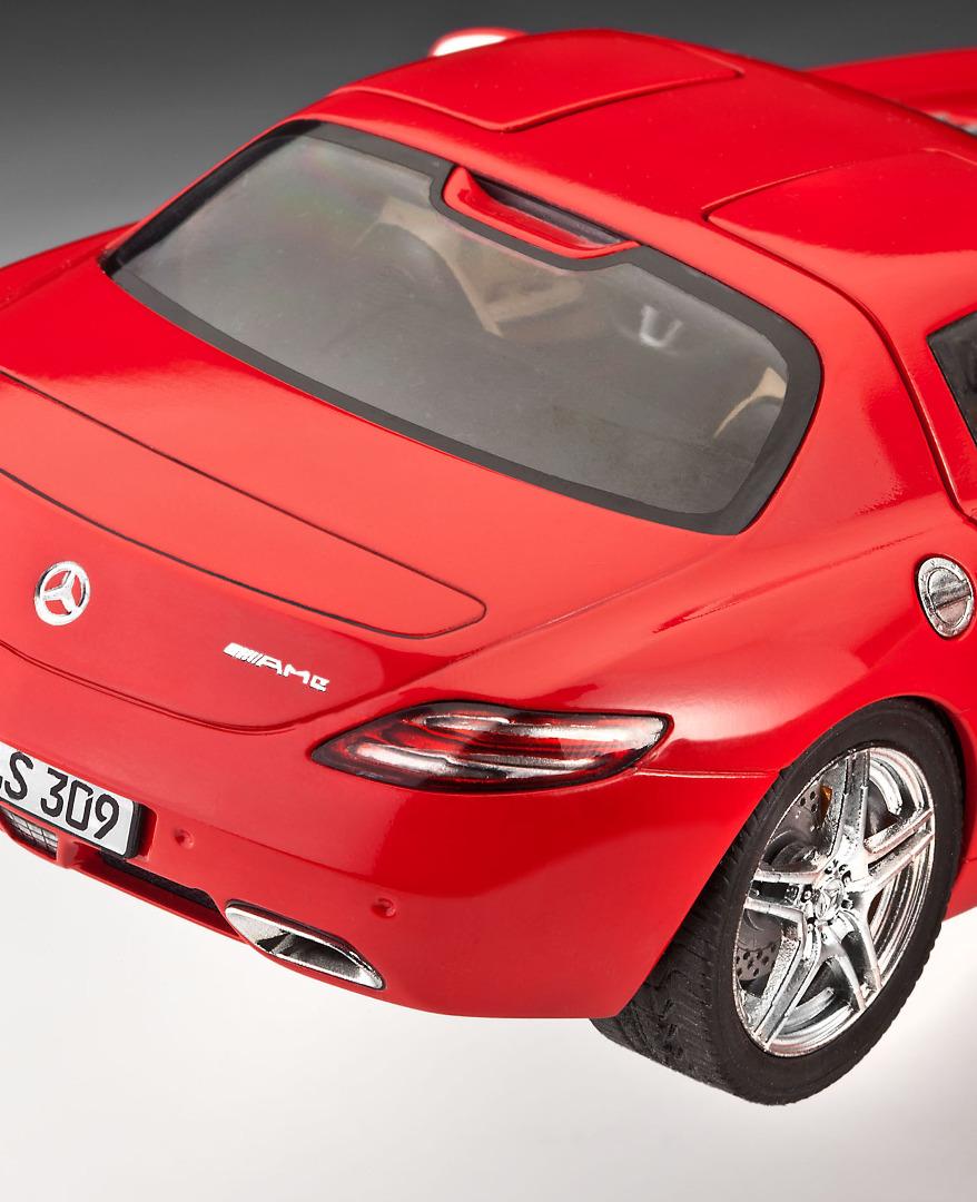 Revell Model Set Mercedes SLS AMG Scale 1:24