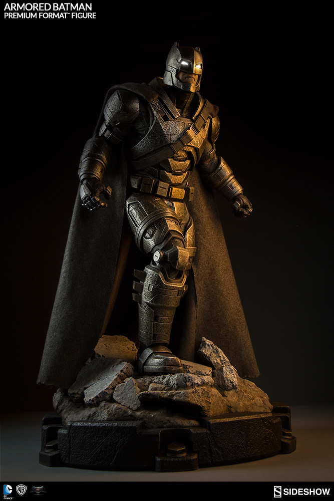 Batman v Superman Dawn of Justice Premium Form. Figure Armored Batman 59 cm