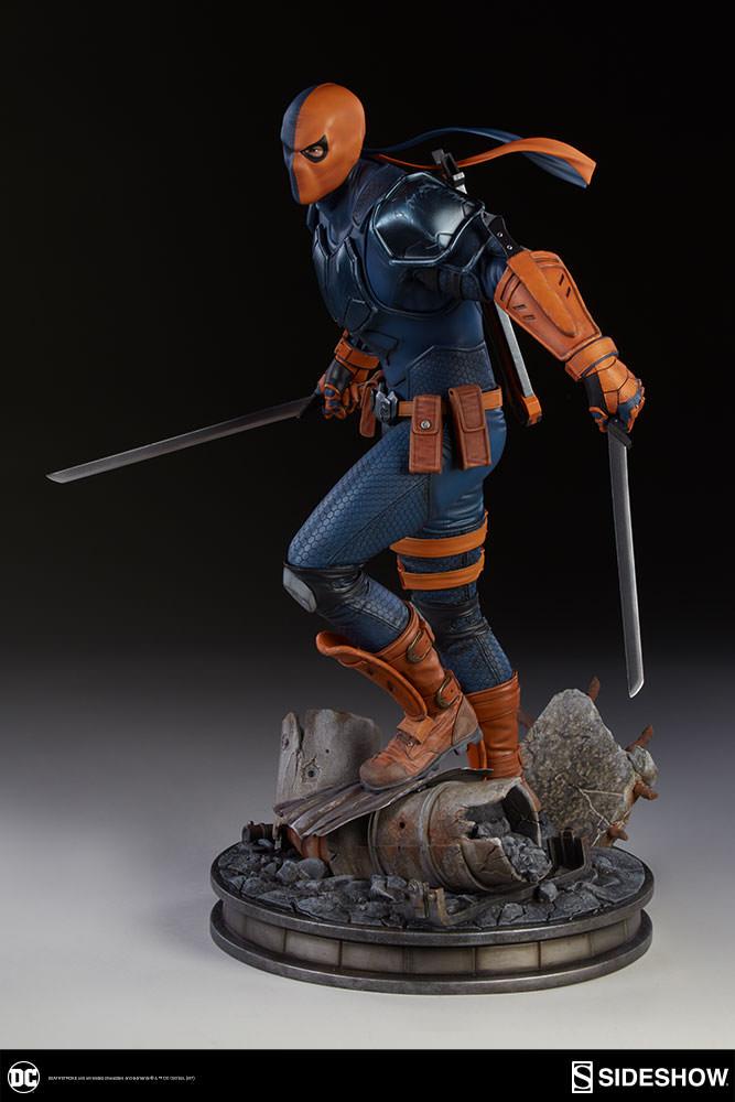 DC Comics Premium Format Figure Deathstroke 48 cm