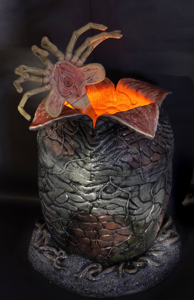Aliens Foam Replica 1/1 Xenomorph Egg & Latex Facehugger 91 cm