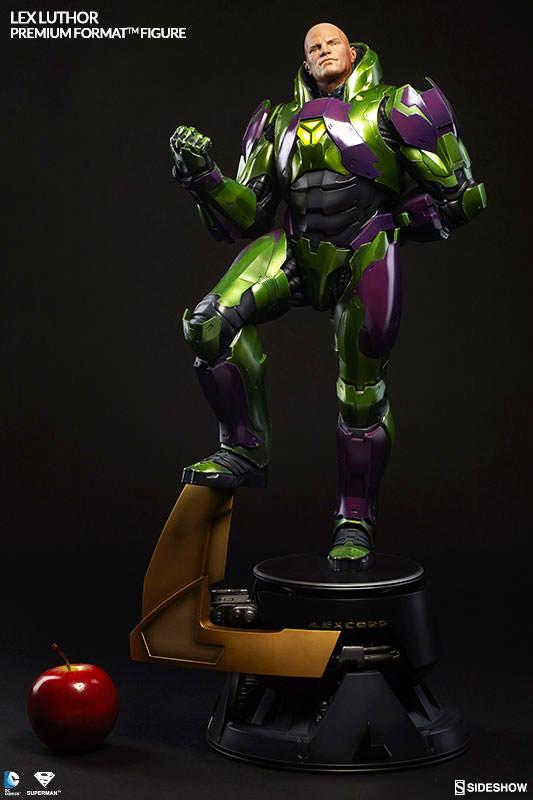 DC Comics Premium Format Figure Lex Luthor Power Suit 66 cm