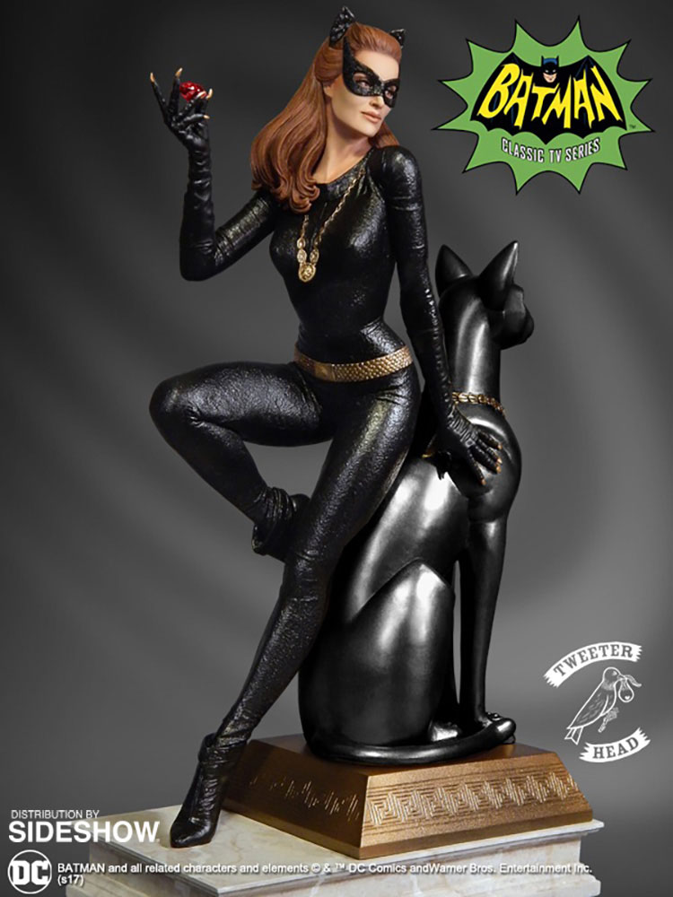 Batman Classics Collection Maquette Catwoman Ruby Edition Variant 30 cm