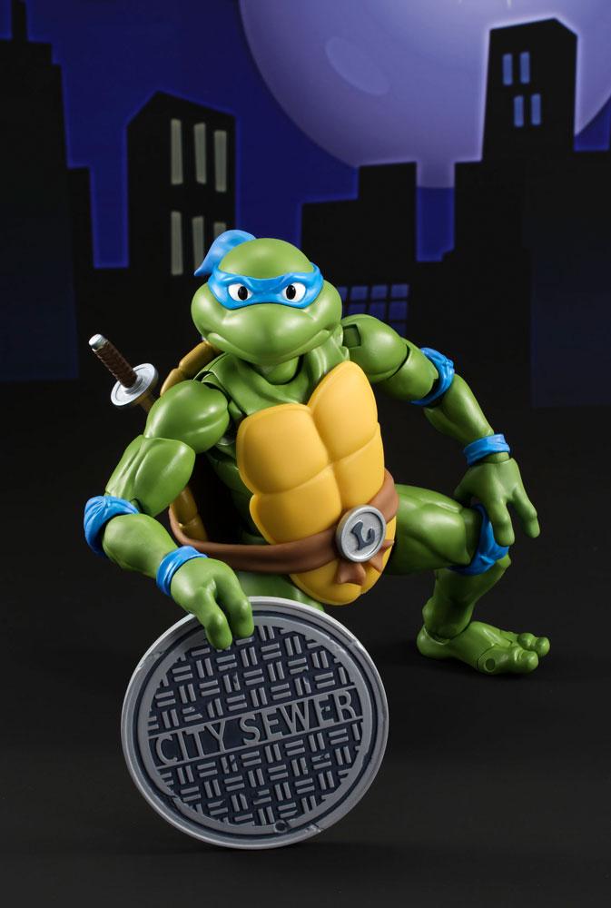 Teenage Mutant Ninja Turtles S.H. Figuarts Action Figure Leonardo Tamashii