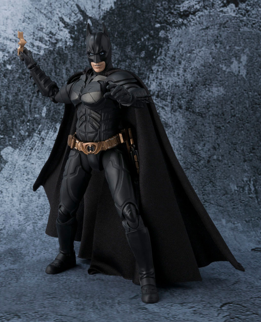 The Dark Knight S.H. Figuarts Action Figure Batman 15 cm