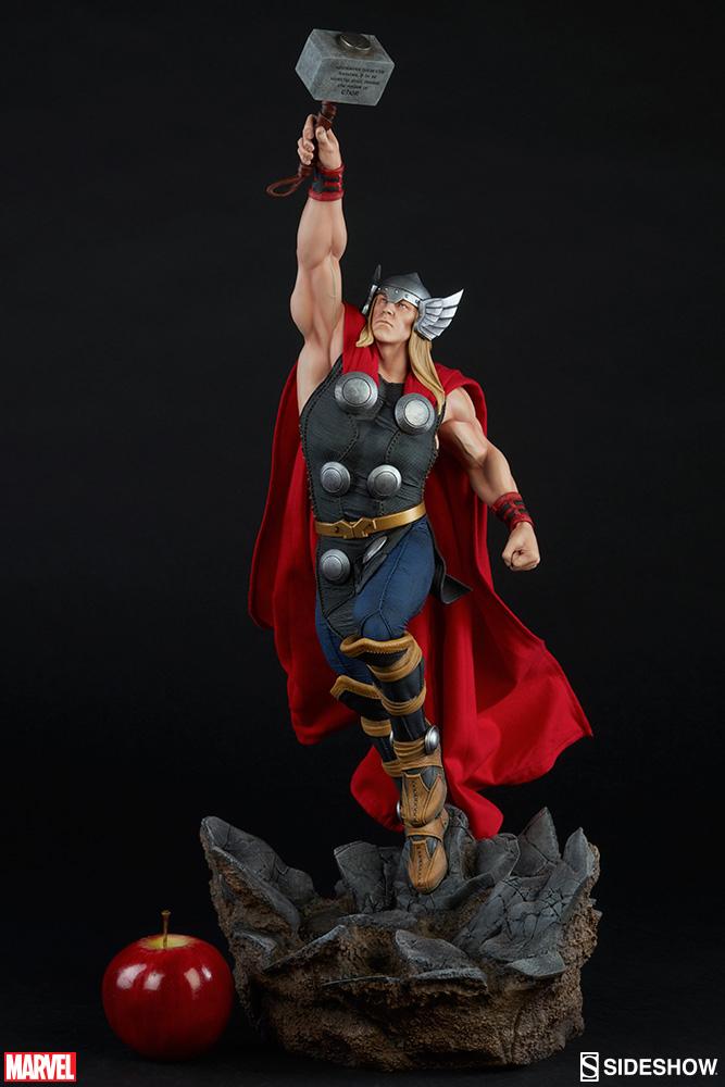 Thor Avengers Assemble Statue 64 cm