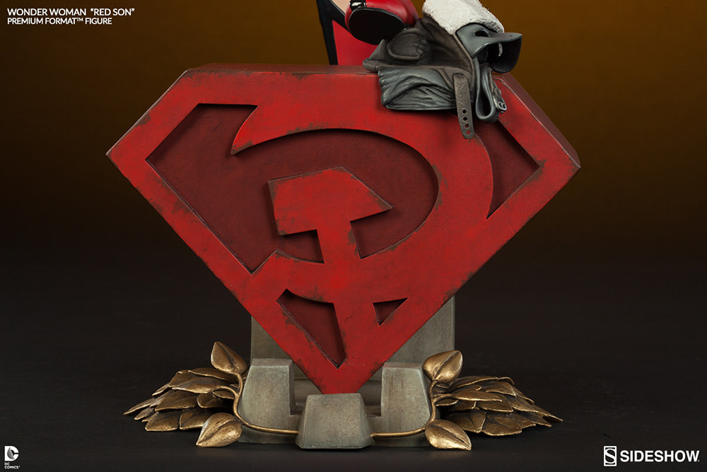 DC Comics Premium Format Figure Wonder Woman Red Son 56 cm