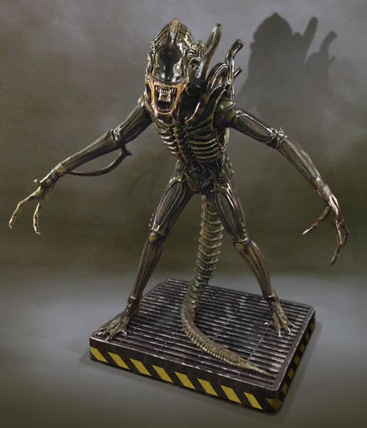 Aliens Life-Size Statue Alien Warrior 203 cm