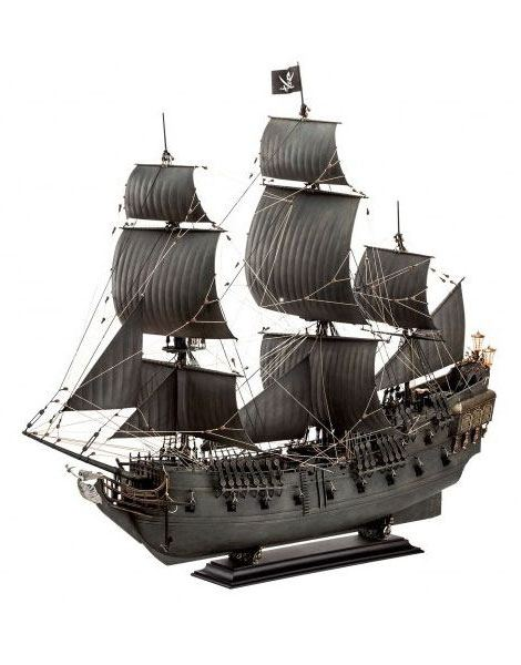 Revell Model Kit Black Pearl Limited Edition Scale 1:72