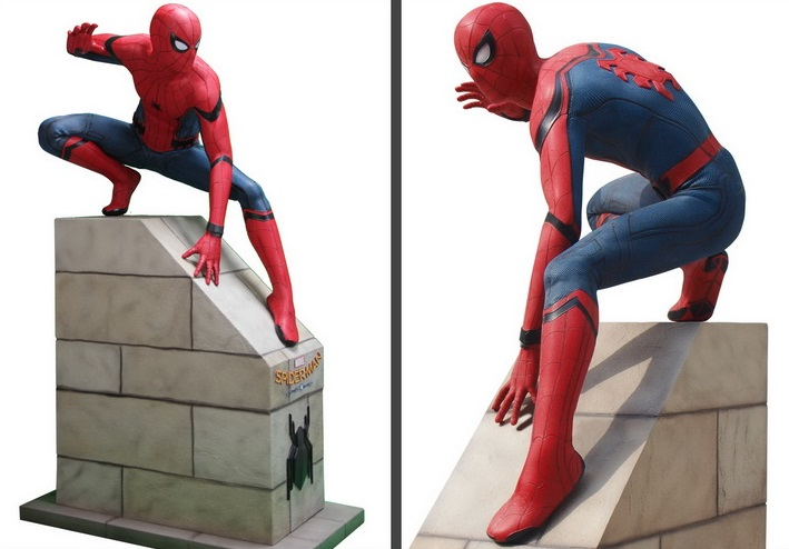 Marvel: Spiderman Homecoming - Life Sized Sitting Spiderman 192 cm