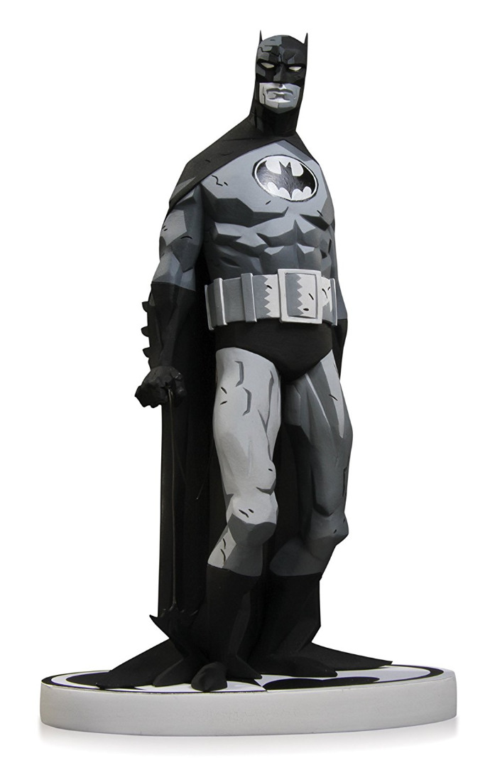 DC Comics Batman Statue by Mike Mignola 2ND Edition (Black/White) 20 cm