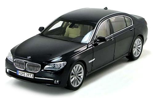 BMW 760 LI 2007 1:64 (Black/Preto)